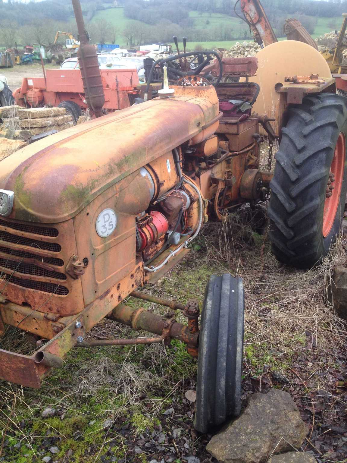 tracteur agricole renault d35 vendre sur morin. Black Bedroom Furniture Sets. Home Design Ideas