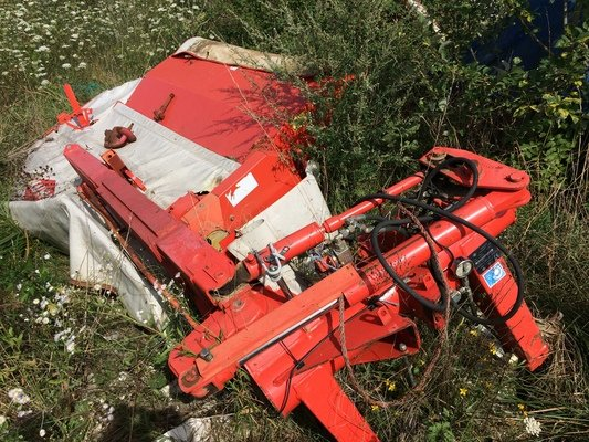 Faucheuse conditionneuse Kuhn FC 243 - 1
