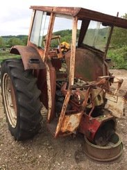 Tracteur agricole International 523 - 1
